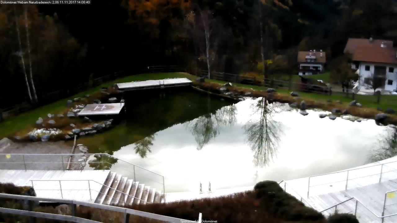 Naturbadeteich im Dorf